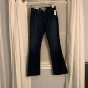 NWT GAP SIZE 6 Zip fly Dark Authentic Jeans.